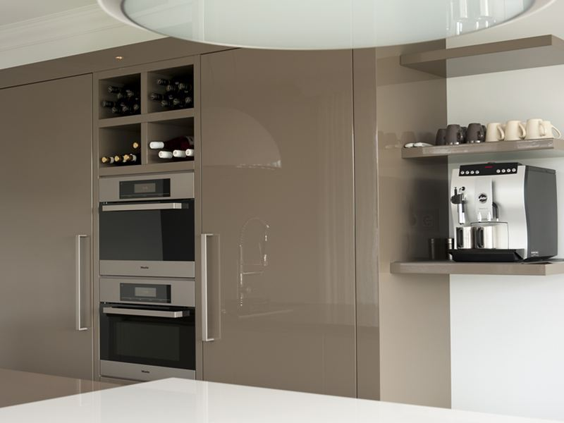 Keuken Greeploos Of Niet : Keuken Greeploos Of Niet : Keuken greeploos hoogglans lakwerk
